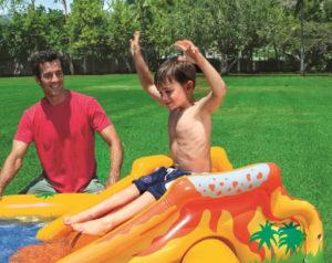 家庭用大型プールの滑り台
