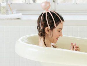 お風呂の中でエイリラン