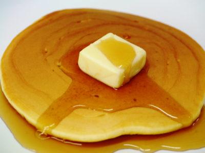 ホットケーキにバター